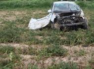 Mladi vozač nakon zavoja izletio na oranicu te je teško ozlijeđen