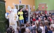 Sveti Nikola i požeški gradonačelnik Puljašić obišli dječje vrtiće i pedijatriju u bolnici