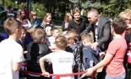 Učenici Cesarićeve škole radosni na novom igralištu